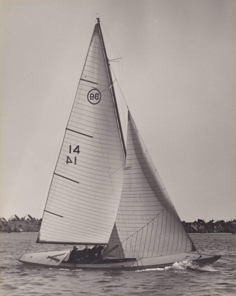 Pacific Class sailboat CUCARACHA circa 1946. Credit: San Diego yacht Club History Archive