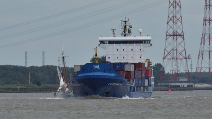 Pilot Schooner No  5 Elbe Struck by Container Ship - Classic